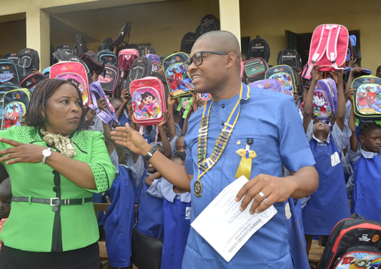 ROTARY CLUB OF IKEJA SOUTH DONATES BAGS, BOOKS TO ENTIRE SCHOOL